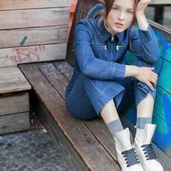 """🤍 🤍 🤍 """"Il nero contiene tutto. Anche il bianco. Sono d'una bellezza assoluta. È l'accordo perfetto."""" (Coco Chanel)  Photo @phredographie Model @dorafranz  #autunnoinverno #autunnoinverno2021 #ai2021 #nuovacollezione #nuovacollezione2021 #fw2020 #fallwinter #fallwinter2021 #neuekollektion #womanshoes #scarpedadonna #shoeslovers #shoesshopping #shoesmania #shoesgram #shoesgramers #leathershoes #anfibi #heavyboots #scarpebianche #madeinitaly #madeinmarche #bologna #bolognashopping #spontaneamentecurato"""