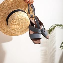 FINALMENTE! ☀️  È tempo di sandali e cappelli di paglia!   E tu, hai già scelto la tua Lilimill per l'estate? ☀️  Ti aspettiamo 👉 nei punti vendita di San Benedetto del Tronto, Bologna e Venezia 👉 presso i rivenditori multimarca e, naturalmente, anche on-line su 👉 www.lilipoi.com   Photo @phredographie  #scarpedonna #womanshoes #shoesforher #shoeslovers #shoesshopping #scarpeinpelle #leathershoes #scarpeartigianali #handmade #scarpefatteamano #madeinitaly #madeinmarche #springsummer #primaveraestate #fruehlingsommer #springsummer2021 #primaveraestate2021 #fruehlingsommer2021 #summershoes #scarpeestive #sommerschuhe #sandals #sandali #sandalen