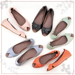 A ciascuna il suo colore! 🍭  #scarpedonna #womanshoes #shoesforher #shoeslovers #shoesshopping #scarpeinpelle #leathershoes #scarpeartigianali #handmade #scarpefatteamano #madeinitaly #madeinmarche #springsummer #primaveraestate #fruehlingsommer #springsummer2021 #primaveraestate2021 #fruehlingsommer2021 #summershoes #scarpeestive #sommerschuhe #opentoeshoes #flatshoes #ballerinashoes #opentoes