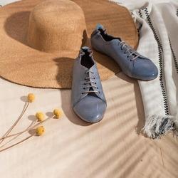 Come fedeli compagne di viaggio ❤ Stagione dopo stagione. Anno dopo anno.  Ph @phredographie  #springsummer #primaveraestate #fruehlingsommer #springsummer2021 #primaveraestate2021 #fruehlingsommer2021 #newcollection #nuovacollezione #nueukollektion #summershoes #scarpeestive #sommerschuhe #springshoes #scarpedadonna #womanshoes #shoeslovers #shoesshopping #scarpeinpelle #leathershoes #scarpeartigianali #handmade #scarpefatteamano #madeinitaly #madeinmarche #stringate