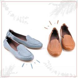 Le mode passano. I mocassini restano.  E questi con pellame stampato ad intreccio hanno quel gusto un po' retrò e quel tocco semplice e sofisticato al tempo stesso, che non ti faranno stancare 😉  Da indossare estate dopo estate, per uno stile senza tempo! ❤  #scarpedadonna #womanshoes #shoeslovers #shoesshopping #scarpeinpelle #leathershoes #scarpeartigianali #handmade #scarpefatteamano #madeinitaly #madeinmarche #springsummer #primaveraestate #fruehlingsommer #springsummer2021 #primaveraestate2021 #fruehlingsommer2021 #newcollection #nuovacollezione #nueukollektion #summershoes #scarpeestive #sommerschuhe #mocassini #loafershoes