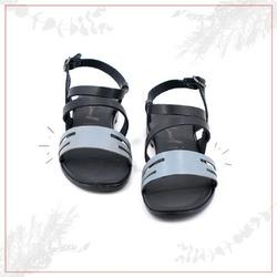 WITH CARE 💙  Perché noi abbiamo a cuore i vostri passi!  #scarpedonna #womanshoes #shoesforher #shoeslovers #shoesshopping #scarpeinpelle #leathershoes #scarpeartigianali #handmade #scarpefatteamano #madeinitaly #madeinmarche #springsummer #primaveraestate #fruehlingsommer #summershoes #scarpeestive #sommerschuhe #sandals #sandali #flatshoes